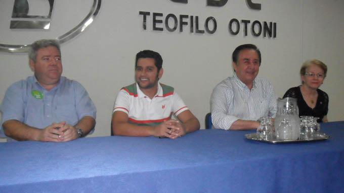 O show foi anunciado pelo próprio Léo Magalhães em coletiva à imprensa no dia 09 de outubro, no auditório da CDL