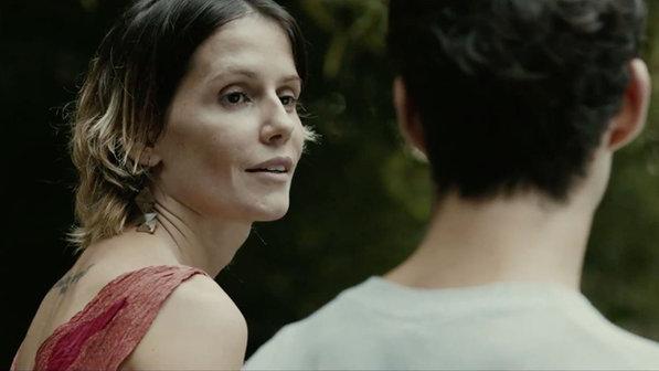 Os atores Deborah Secco e João Pedro Zappa, no filme 'Boa Sorte' - Divulgação/VEJA