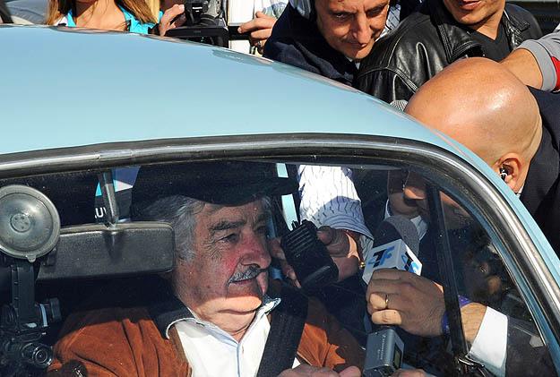 """Presidente Uruguaio disse que quando viu um fusca pela primeira vez, achou horrível. """"Com o passar dos anos, nos apaixonamos pelos Fuscas, até o dia de hoje"""", contou"""