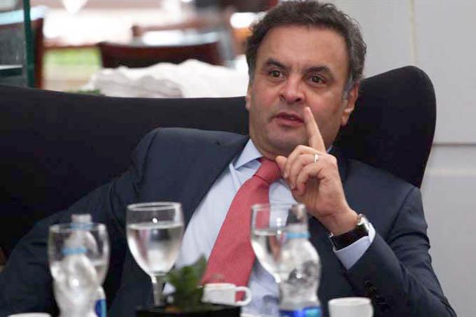 Aécio tenta se firmar como o candidato da oposição em 2018
