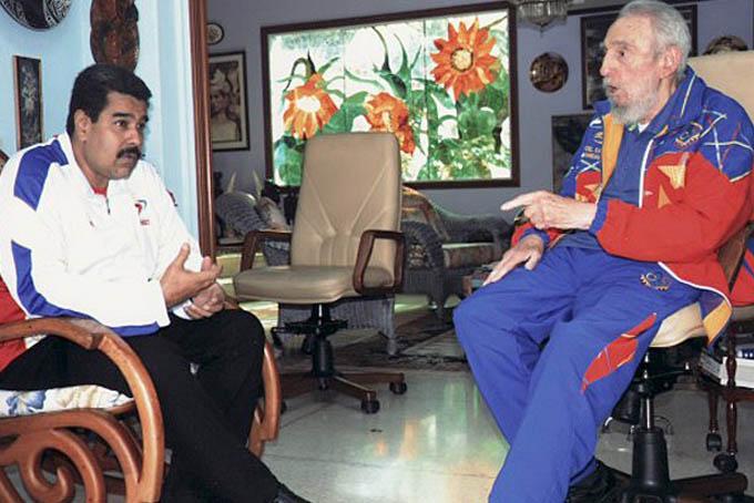Maduro e Fidel Castro durante encontro em Cuba em agosto de 2014 (Foto: Divulgação/Site oficial CubaDebate)