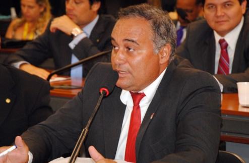Ademir Camilo quer participar mais ativamente dos rumos políticos de seus aliados na cidade, inclusive do grupo de Fátima Dantas