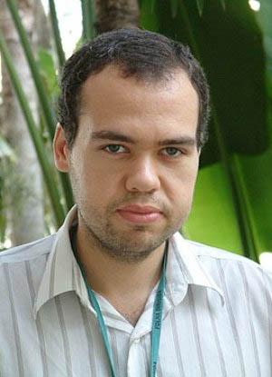O autor Bruno Filippo é sociólogo e jornalista