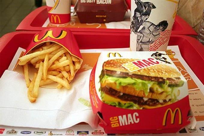 A rede de lanchonetes propôs trocar o produto depois da reclamação da consumidora; mas a Justiça do Distrito Federal condenou o McDonald's a pagar uma indenização de R$ 2 mil
