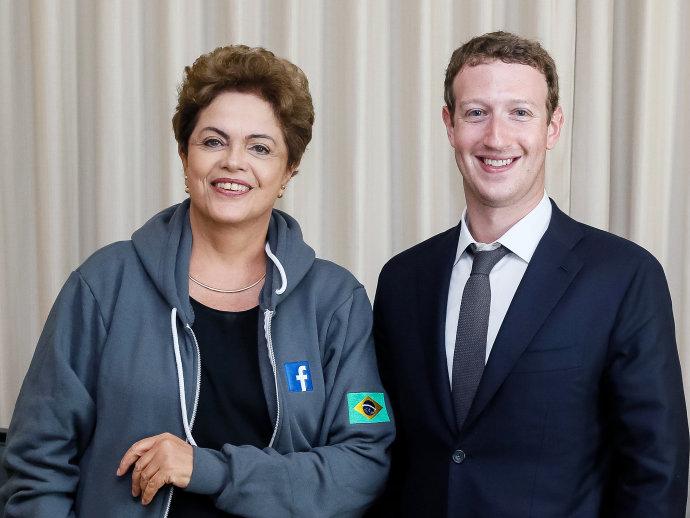 O CEO e fundador do Facebook, Mark Zuckerberg, com a presidente do Brasil, Dilma Rousseff