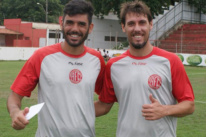 Capitão e Lateral do Mecão, Bruno Barros, e o zagueiro Luiz Henrique, gratos pelo apoio pessoal do prefeito
