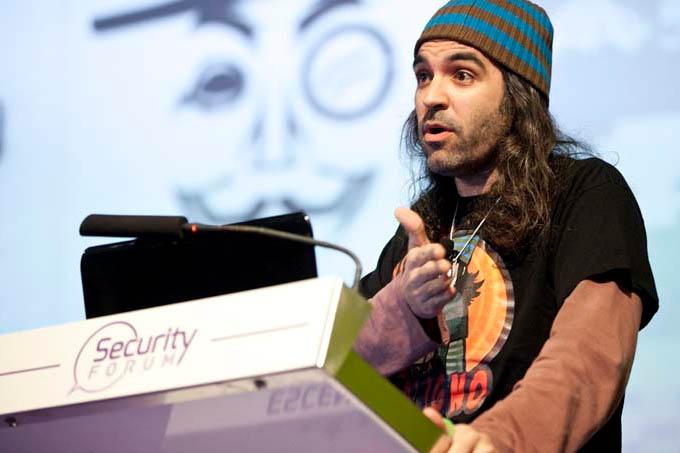 """CHEMA ALONSO: """"Ser hacker é amar a computação, amar segurança, amar pesquisar sobre o assunto"""""""