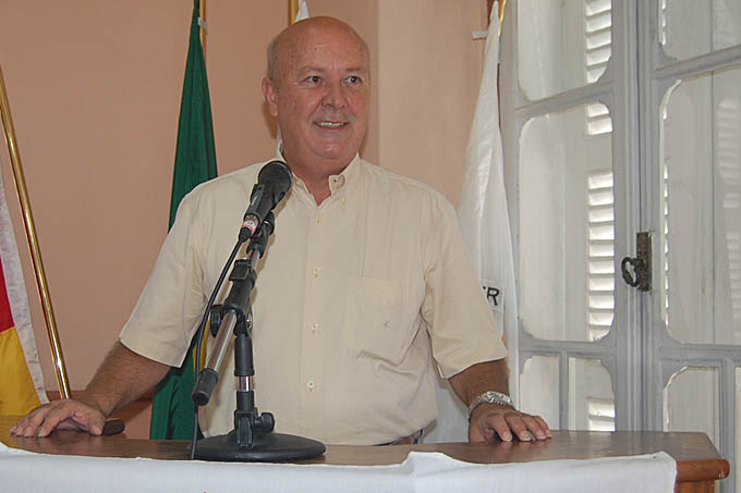 O secretário municipal de Integração Regional e Trabalho, Clélio Gosling, o Pelé, é o novo presidente do PSDB em Teófilo Otoni