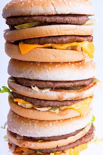 Quanto maior for o papel que os alimentos 'fast food' representam em sua vida, menos você desfruta dela