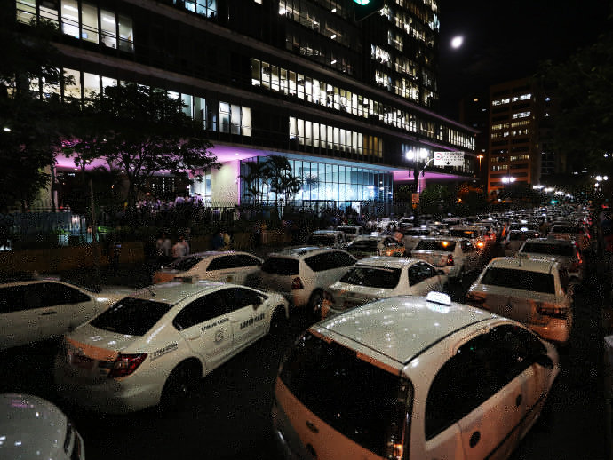 alx_brasil-protesto-taxistas-20150630-02_original