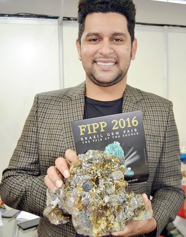 Léo Magalhães visitou o pavilhão da FIPP e da Conex Minas e já foi antecipadamente convidado para conhecer a edição 2016 do evento