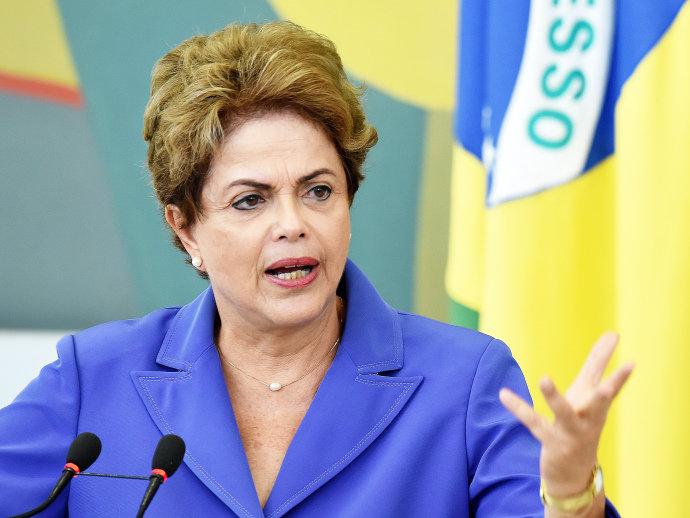 Presidente Dilma Rousseff quer marcar reunião com empresários no mesmo molde da realizada com os governadores na semana passada(Evaristo Sá/AFP)