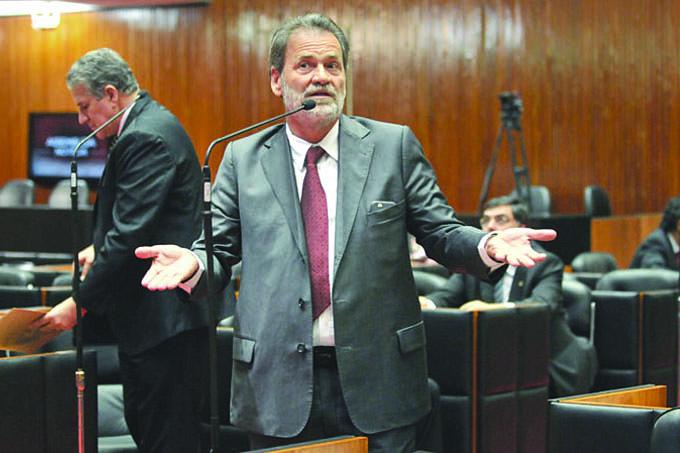 Para o líder do Governo, deputado estadual Durval Ângelo, o Sargento Rodrigues não deveria ter generalizado suas denúncias