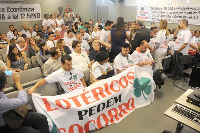 Os representantes dos lotéricos de Minas Gerais foram até à Assembleia Legislativa pedir que os deputados mineiros intervenham na situação