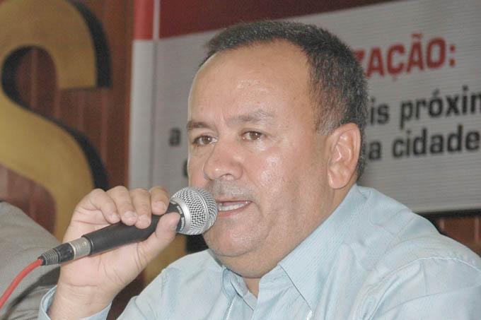 O vereador Northon Neiva Diamantino (PMDB) é o presidente da Câmara Municipal de Teófilo Otoni (foto: Alair Vieira)