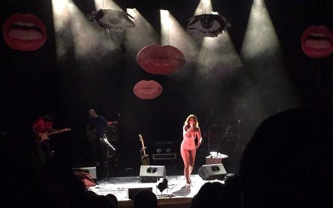 Bábara Eugênia ficou nua durante show no Sesc Belenzinho, em São Paulo, nesse domingo (1)