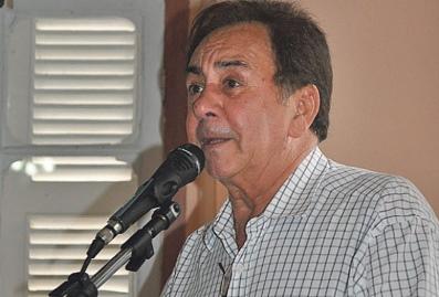 O prefeito Getúlio Neiva diz ter feito um esforço gigantesco para assegurar o pagamento do 13º salário dos servidores