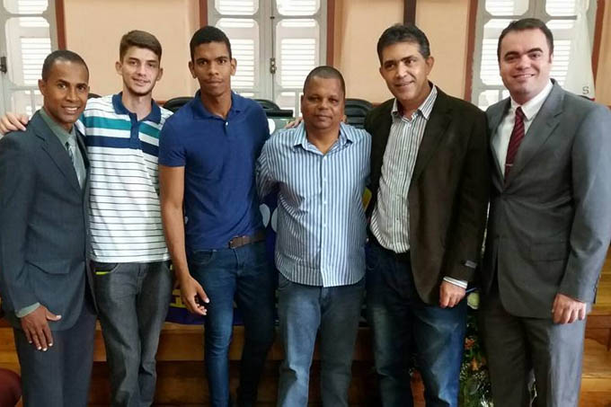 Dois pré-candidatos a vereadores pelo PSDC, Tenente Bahia e Preto da Taquara, ao lado do advogado do partido, Vamberth Soares Lima e dos jovens membros do PSDC JOVEM TEÓFILO OTONI