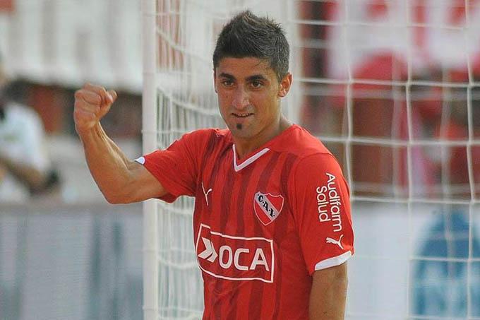 Em 89 jogos pelo Independiente, Matías Pisano, o camisa 32 tem sete gols e 16 passes que resultaram em bola na rede