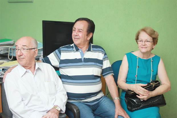 O pecuarista e presidente da CREDIVALE, Antônio Galvão, e a secretária de Educação Iracema das Graças foram algumas das personalidades que prestigiaram a posse