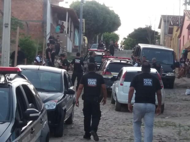 Operação contou com 50 policiais civis e o apoio de 13 viaturas - Foto: Divulgação/Polícia Civil)