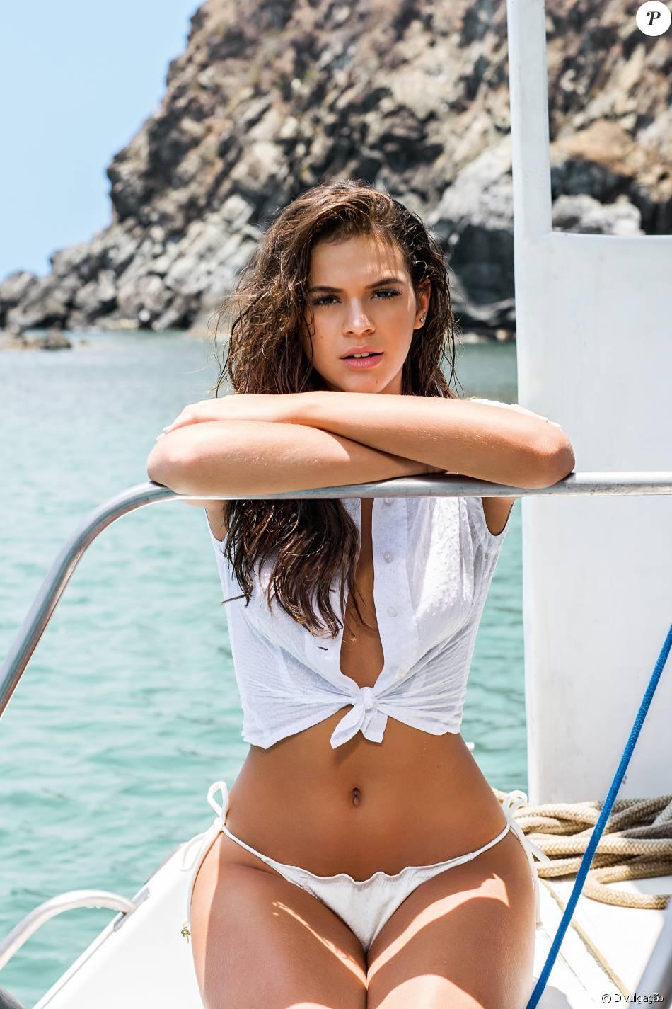 Bruna Marquezine recebe proposta de R$ 1 milhão para posar nua para site