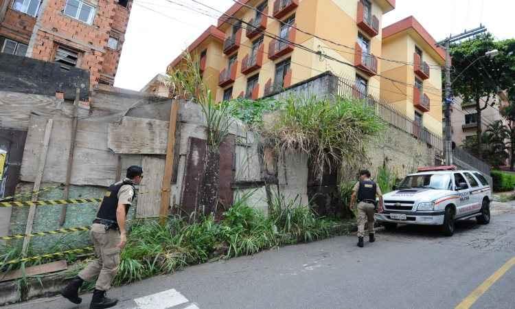 Enquanto levantavam as informações, os policiais acabaram localizando o suspeito próximo à casa da vítima - Foto: Euler Júnior/EM/D.A Press