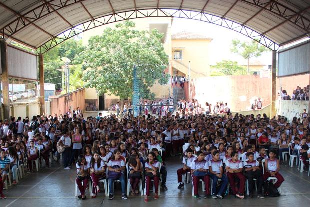 A Escola Irmã Maria Amália recebeu a cerimônia de abertura do ano letivo de 2016 (foto: Alan Rodrigues | ASCOM PMTO)