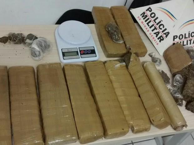 Cerca de 12 quilos de maconha foram apreendidos - Foto: Divulgação/Polícia Militar
