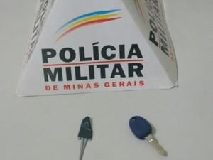 Chaves utilizadas por bandidos para furtar veículos - Foto: Divulgação/Polícia Militar