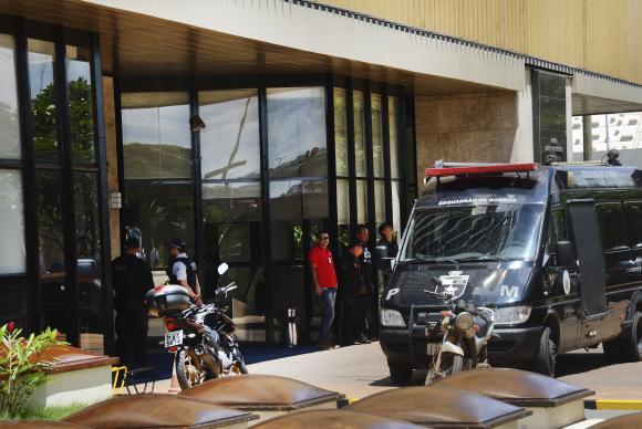 Ameaça de bomba à sede da Confederação Nacional da Indústria (CNI) mobiliza policiais militares e bombeiros - Foto: Antonio Cruz/ Agência Brasil