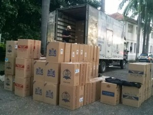 Caminhão veio de BH e voltaria para a capital mineira com a carga - Foto: Divulgação / Polícia Militar
