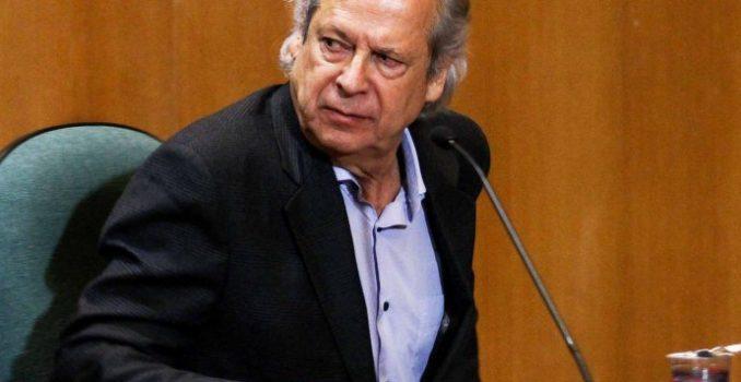 STF concede perdão a José Dirceu por crimes do mensalão