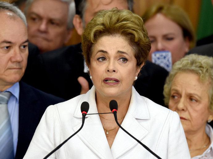 A presidente Dilma Rousseff faz pronunciamento após decisão do Senado Federal pelo seu afastamento do cargo - 12/05/2016 (Evaristo Sa/AFP)