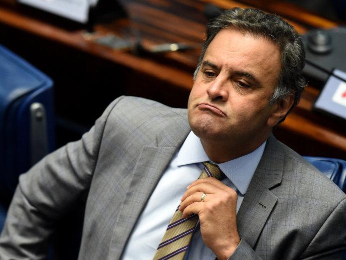 Aécio Neves no plenário do Senado para eleger o colegiado responsável por analisar o processo de afastamento da presidente Dilma Rousseff 25/04/2016 (Evaristo Sa/AFP)
