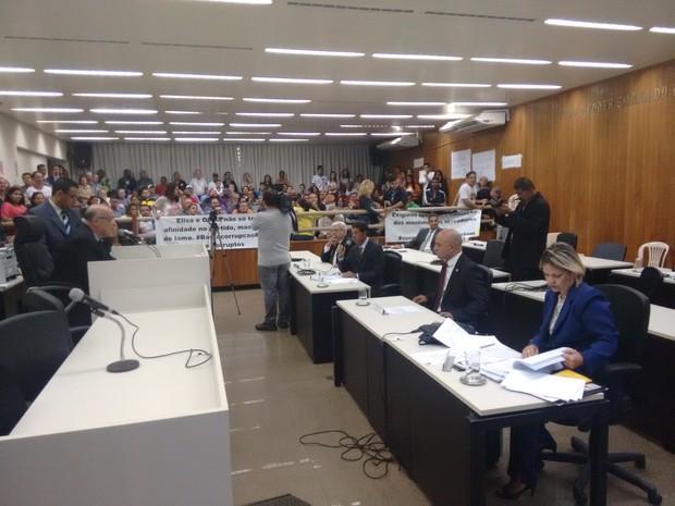 Manifestantes cobravam investigação da conduta dos vereadores afastados - Foto: Zana Ferreira/ G1