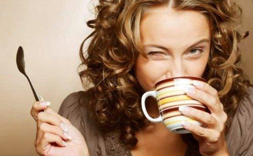 Conheça os três os fatores que levam a que a cafeína tenha efeitos distintos nas pessoas