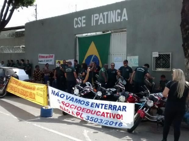 Manifestação e passeata são atos de repúdio contra o projeto de lei do estado (Foto: Yasmini Gomes / Arquivo Pessoal )
