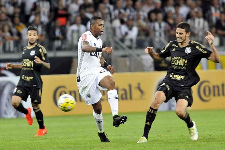Robinho marcou o gol atleticano no empate por 1 a 1 com a Ponte Preta pelas oitavas da Copa do Brasil
