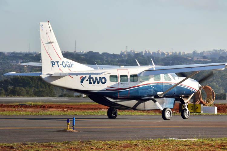 A aeronave que já está atendendo Teófilo Otoni no Projeto de Integração Regional é do modelo Cessna 208 Caravan, da empresa TWO-Flex