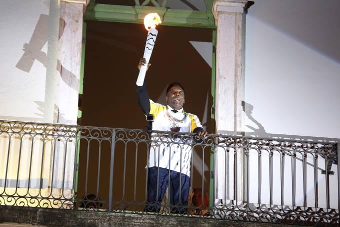 Pelé participaou do revezamento da tocha olímpica em Santos (SP) (Francisco Medeiros/ME/Divulgação)