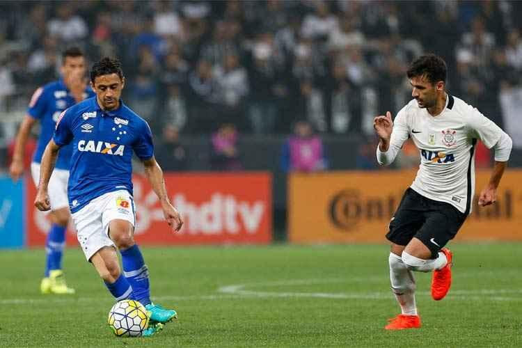 Robinho marcou para o Cruzeiro no empate diante do Corinthians, nesta quarta-feira, em São Paulo
