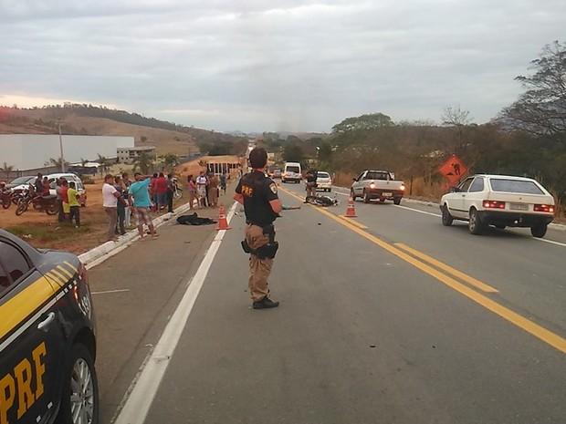 Casal morreu após pneu da moto estourar e piloto perder direção do veículo (Foto: Roberto Higino/Arquivo Pessoal)