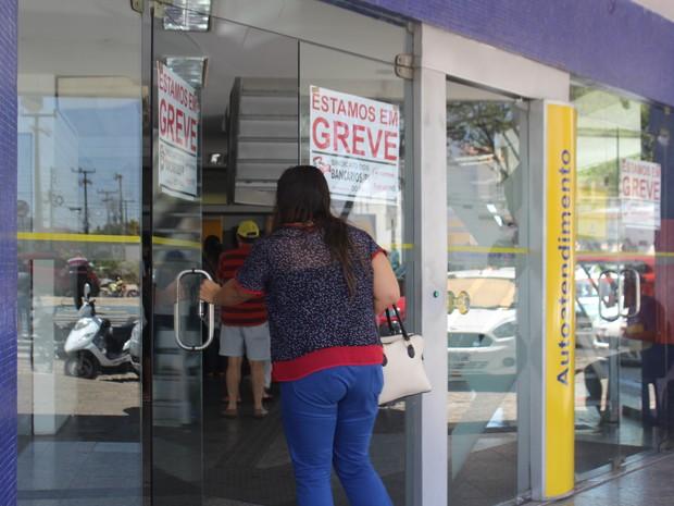 Greve dos bancários completou uma semana. (Foto: Fernando Brito/G1)