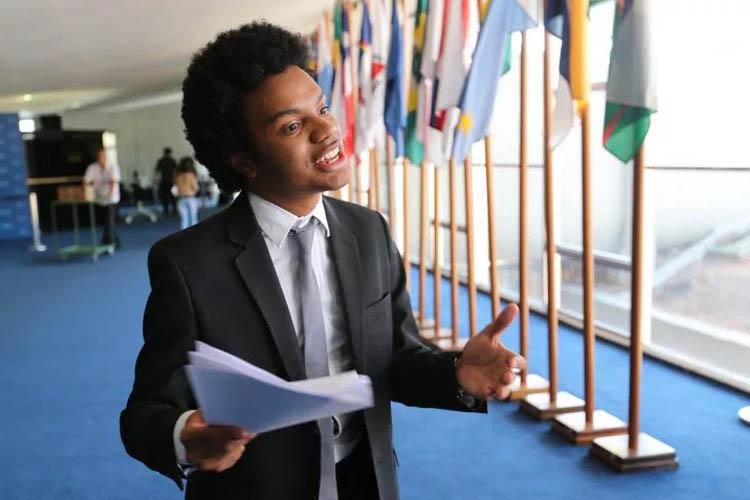 Fernando Holiday: negro, pobre, gay e direitista roxo. E mesmo assim foi o 13º colocado na eleição para a Câmara Municipal de São Paulo