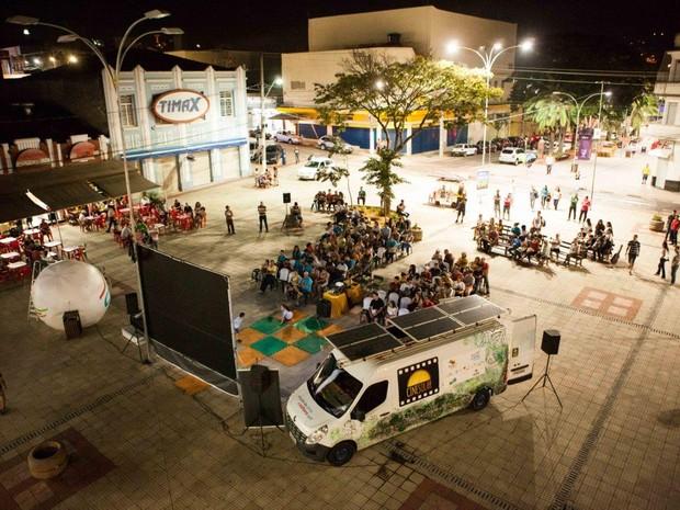 Projeto leva cinema e sustentabilidade para diversas cidades do país (Foto: Cinesolar/Divulgação)