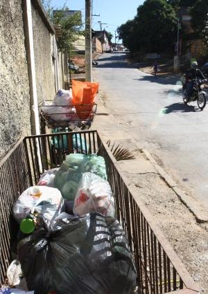 Serviços básicos como coleta do lixo podem ser afetados por falta de recursos (FOTO: Wesley Rodrigues)
