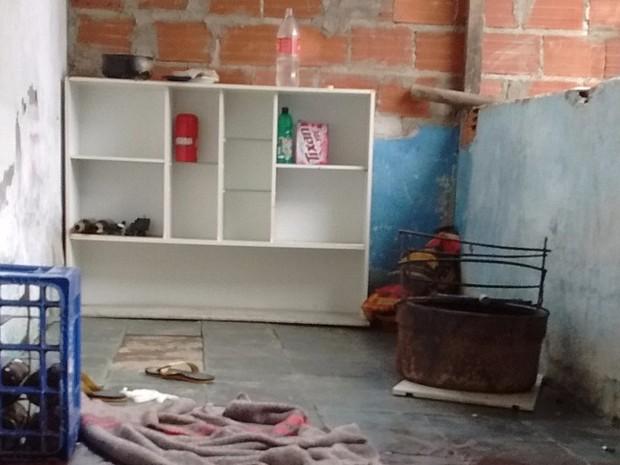 Mulheres foram mortas dentro de casa (Foto: Davidson Fortunato/ Inter TV)