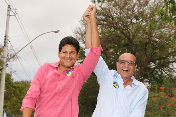 O prefeito eleito de Teófilo Otoni, Daniel Sucupira, e o seu vice, o médico José Roberto Corrêa