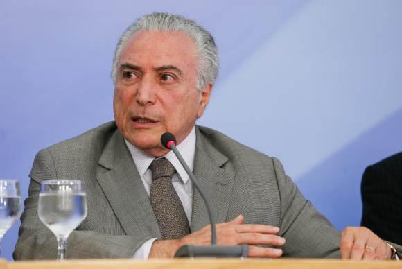 Em entrevista, Temer disse que governo trabalha para afastar o Brasil da crise (foto: Beto Barata/PR)